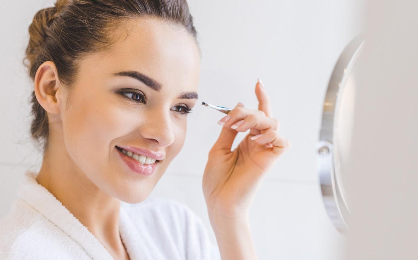 Augenbrauen Zupfen Anleitung Zum Richtig Zupfen Mit Faden Und Pinzette
